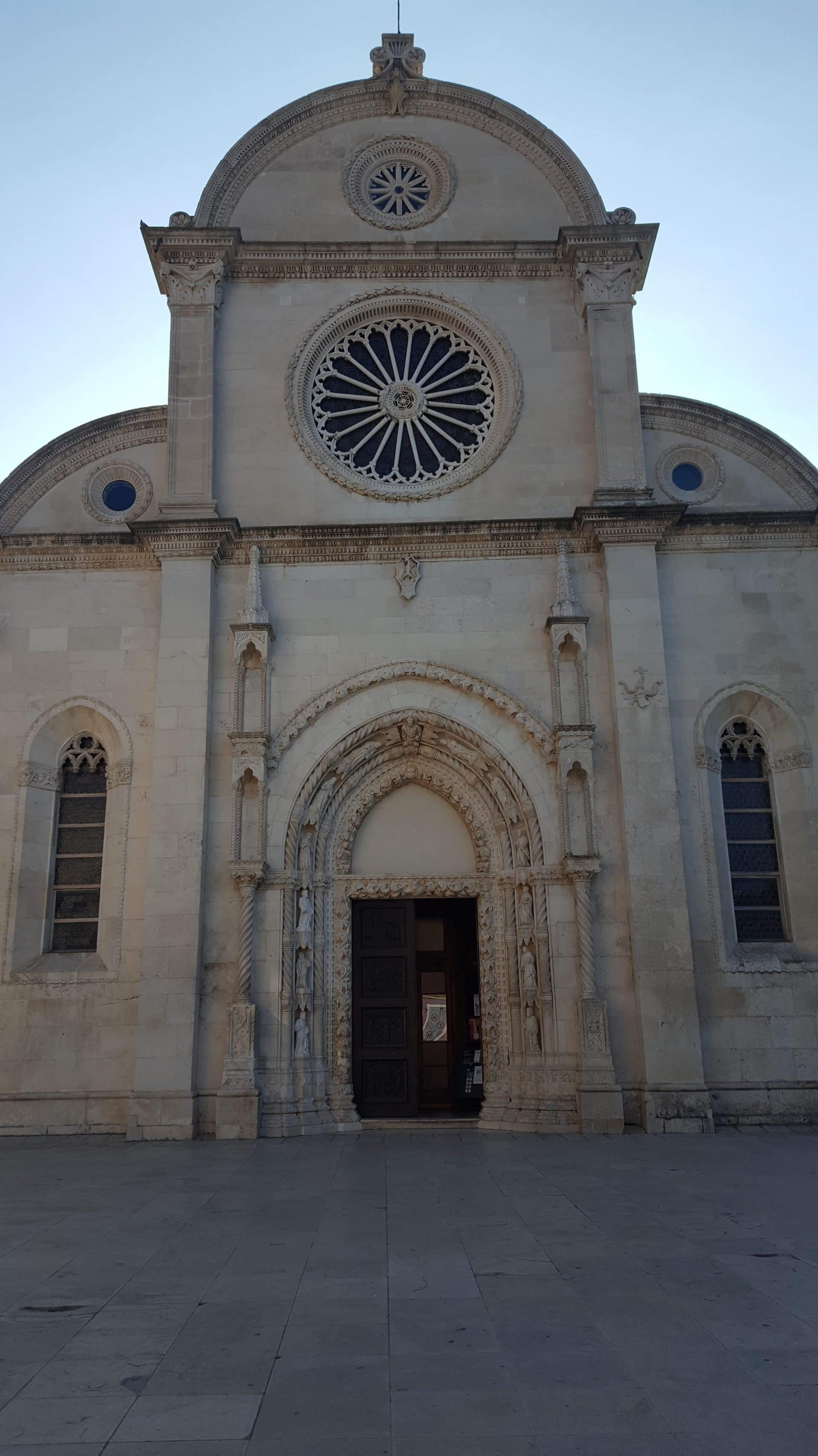 Croatie-sibenik-cathedrale-saint-jacques-goyav