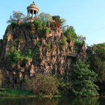 France-Paris-Parc-des-buttes-chaumont-goyav