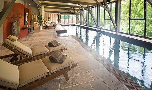 piscine-interieure-hotel-spa.jpg
