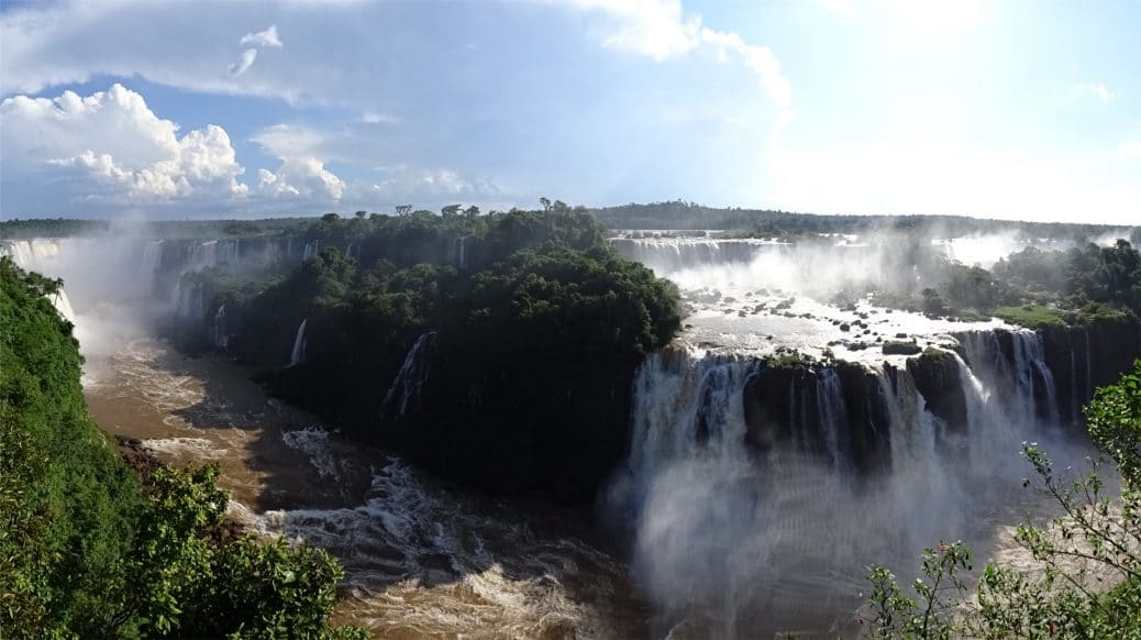 bresil-chutes-iguazu-goyav