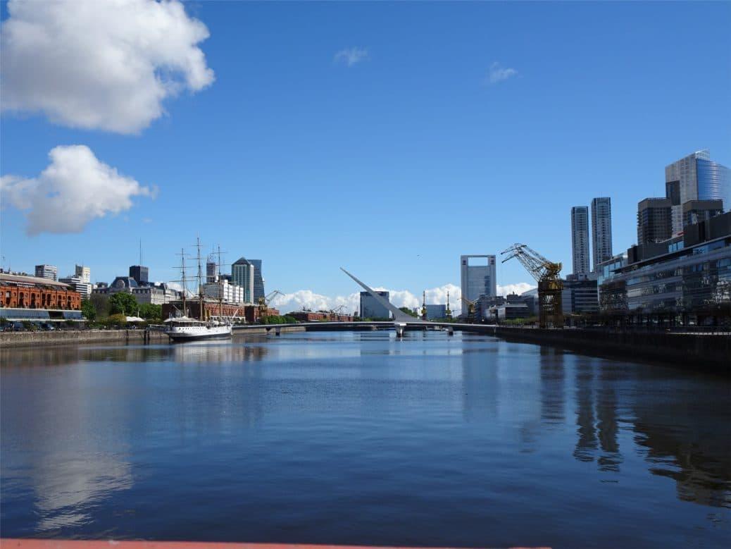 argentine-buenos-aires-rio-de-la-plata-goyav