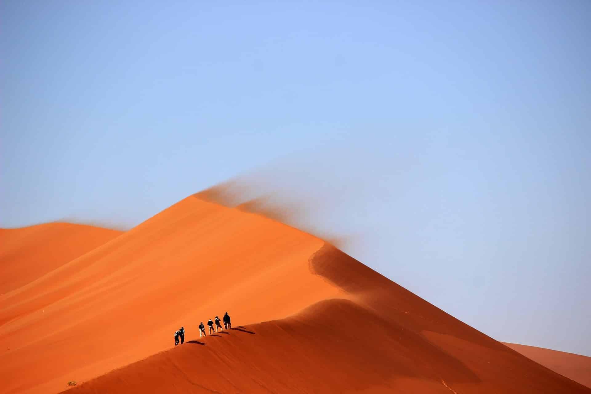Trek dans les dunes du désert