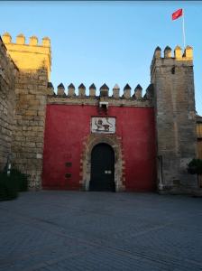 road trip andalousie Porte de l'Alcazar de Seville