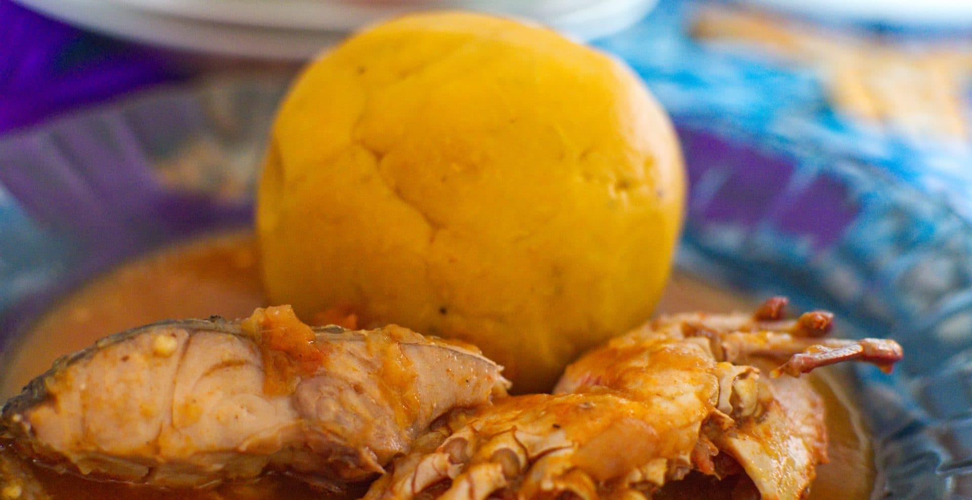 sauce au crabe accompagné de foutou de banane plantain