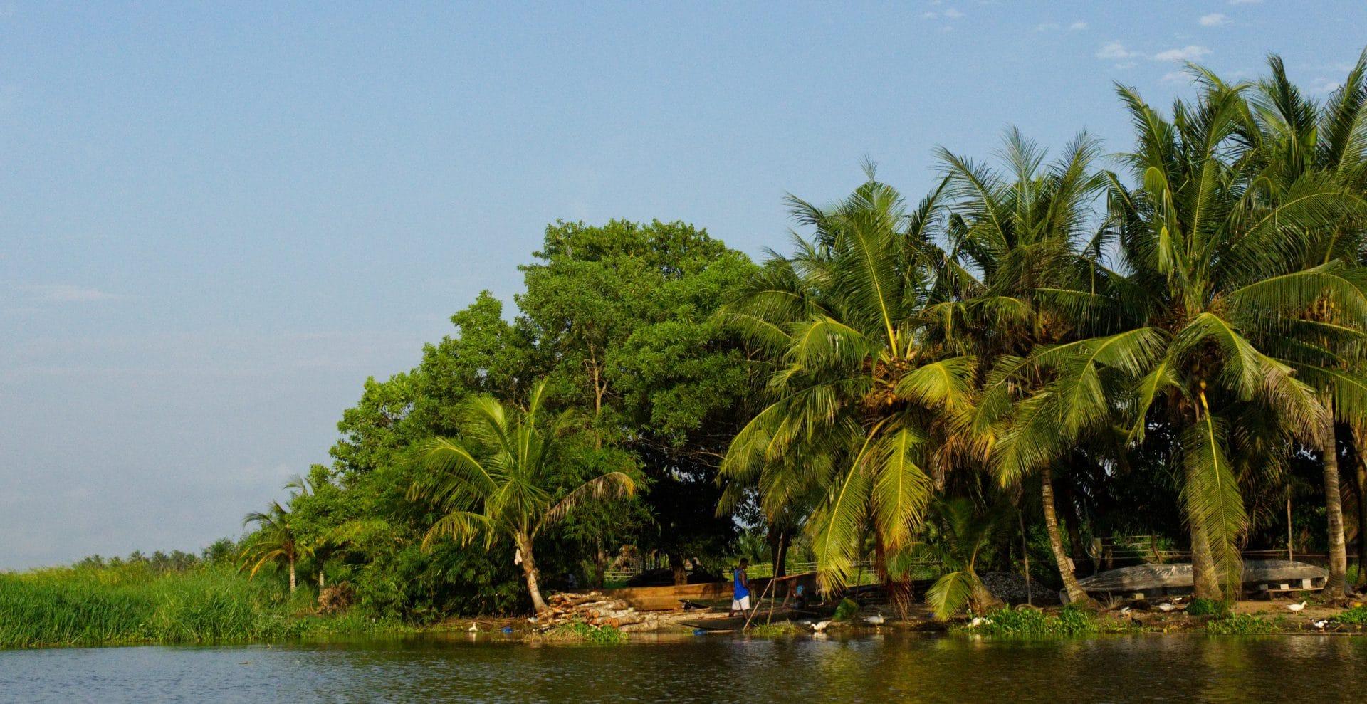 lagune de bassam en Côte d'Ivoire