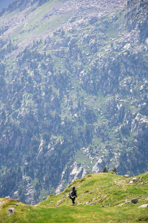 Randonnée dans les pyrénées espagnoles vue montagne
