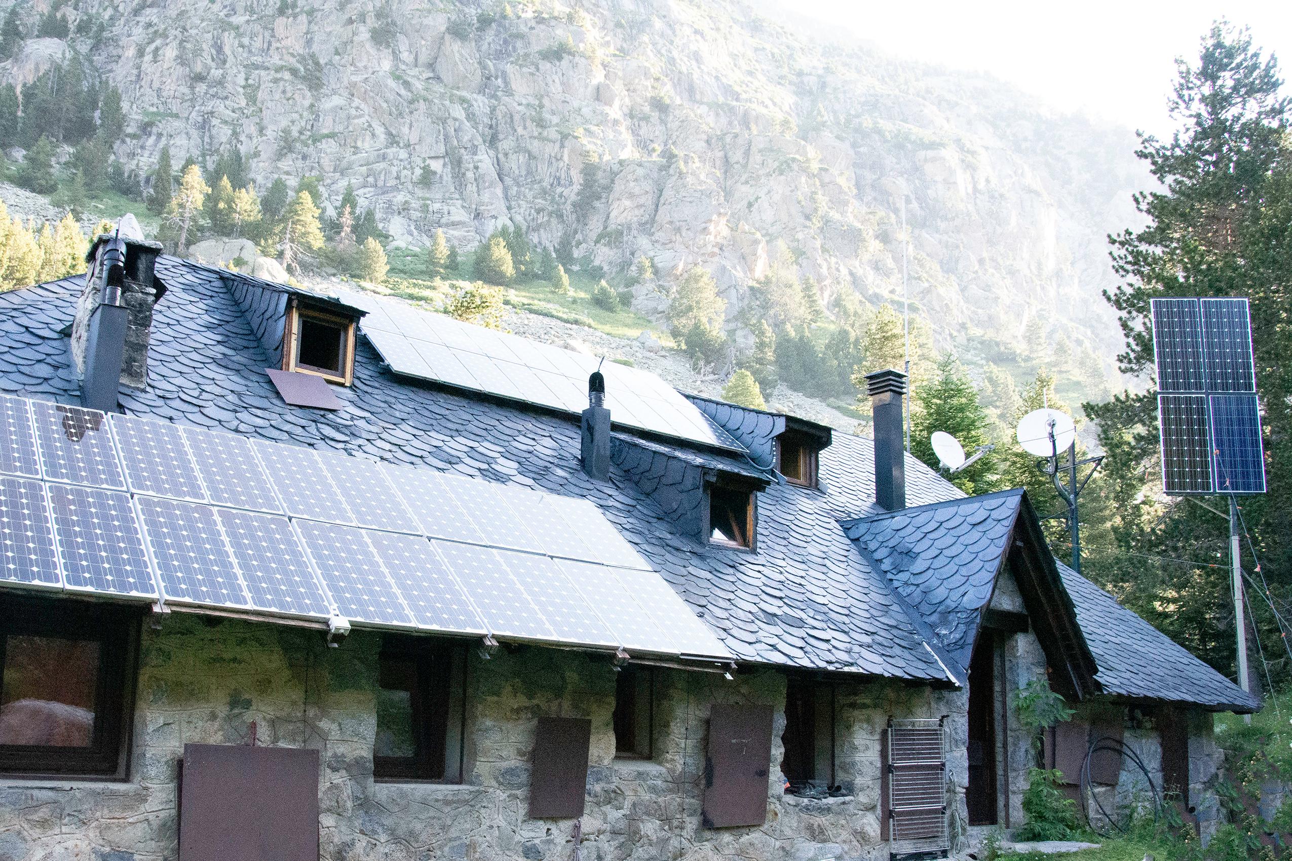 refuge estany llong espagne pyrenees