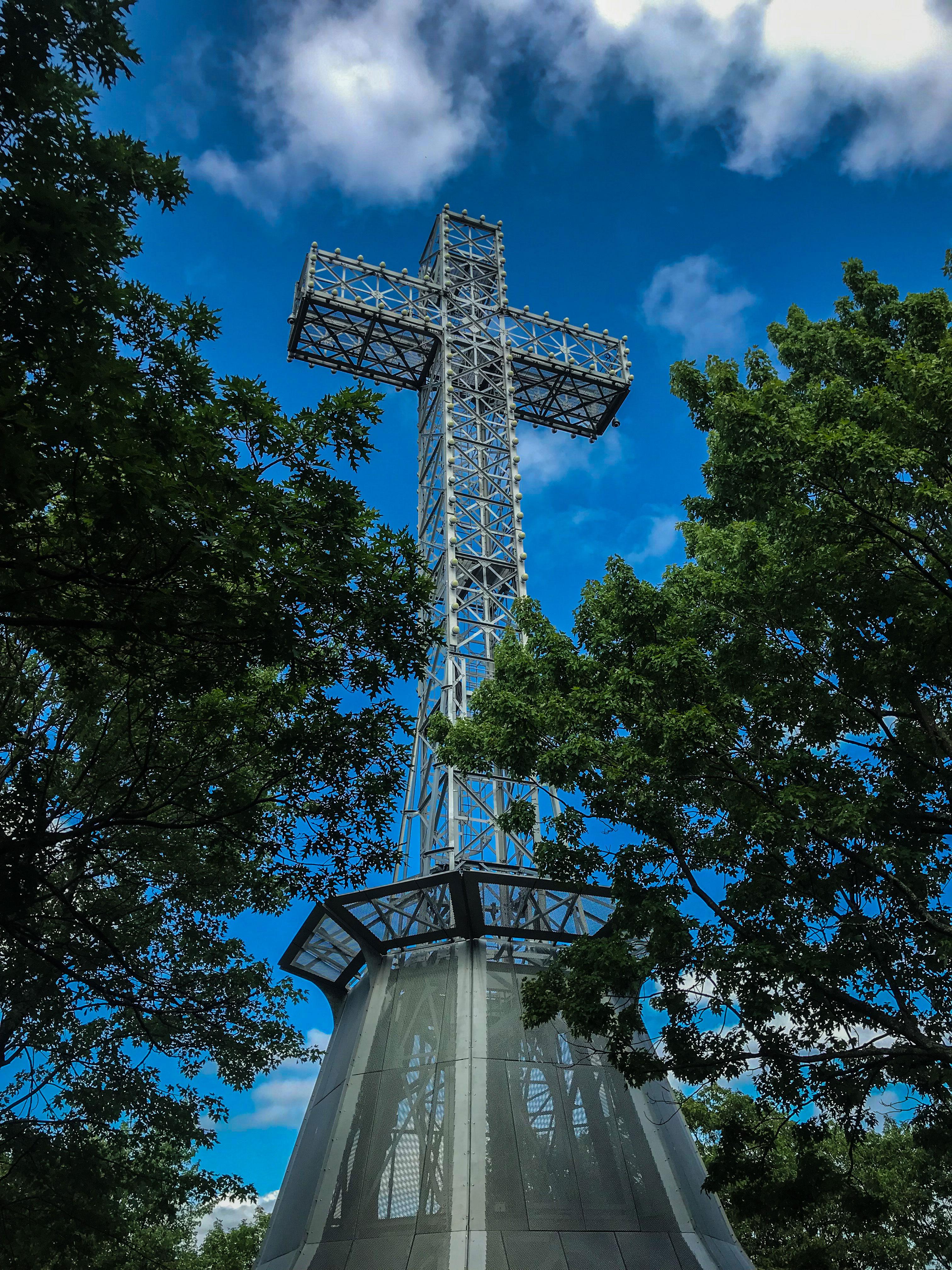 visiter-Montreal-croix