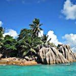 Seychelles-eau-turquoise-ile-palmiers