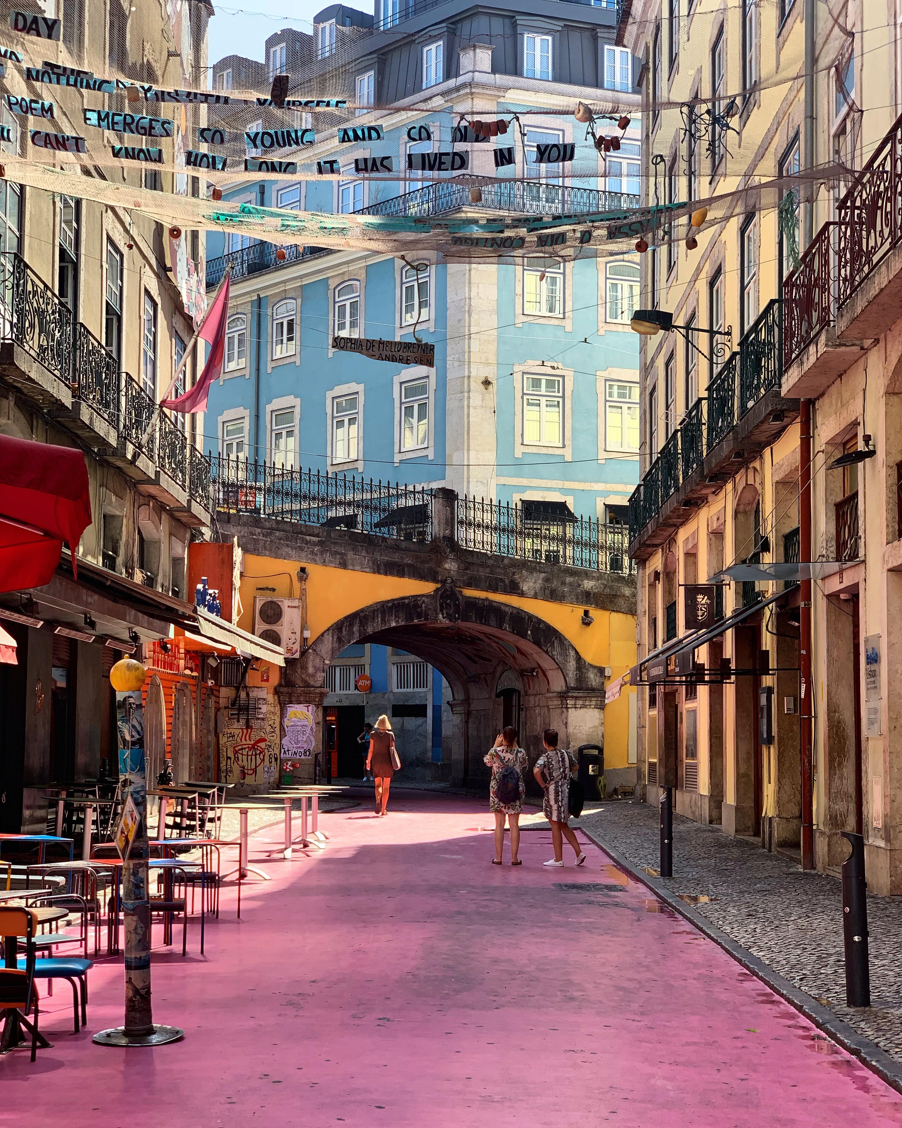 pink street lisbonne