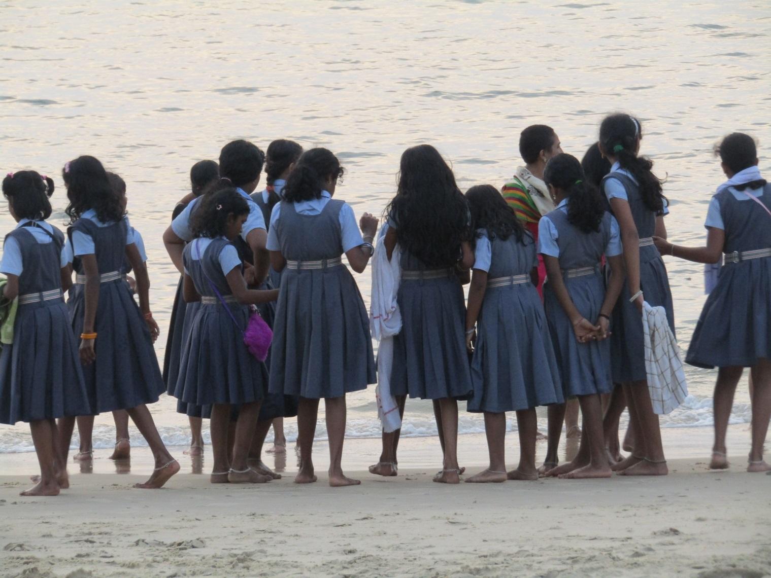 écolières inde road trip marari beach