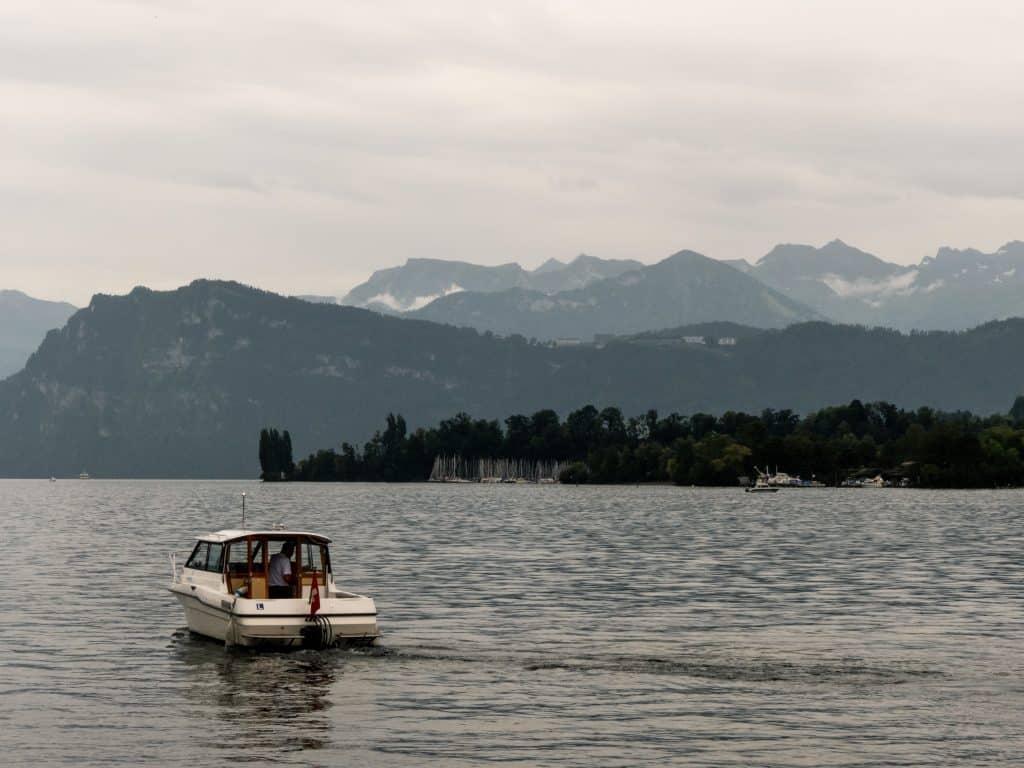 lac lucerne suisse