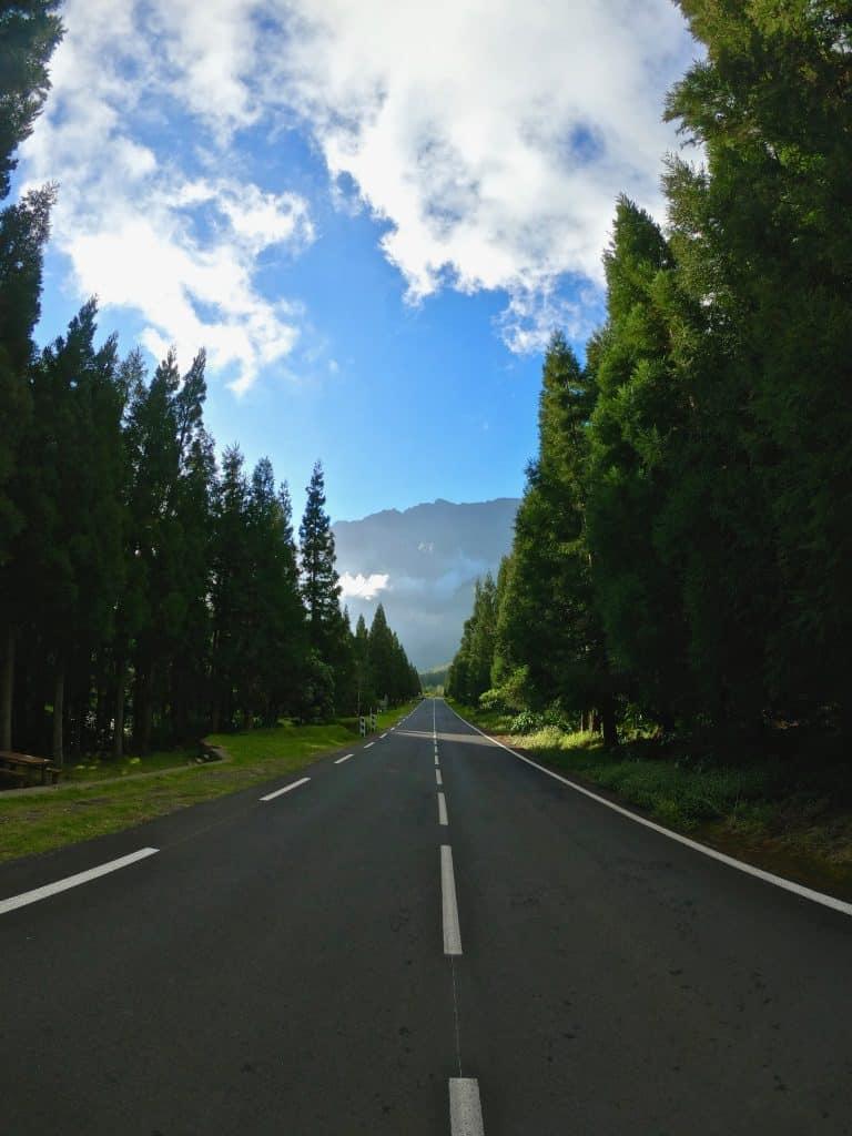 route réunion vue montagne