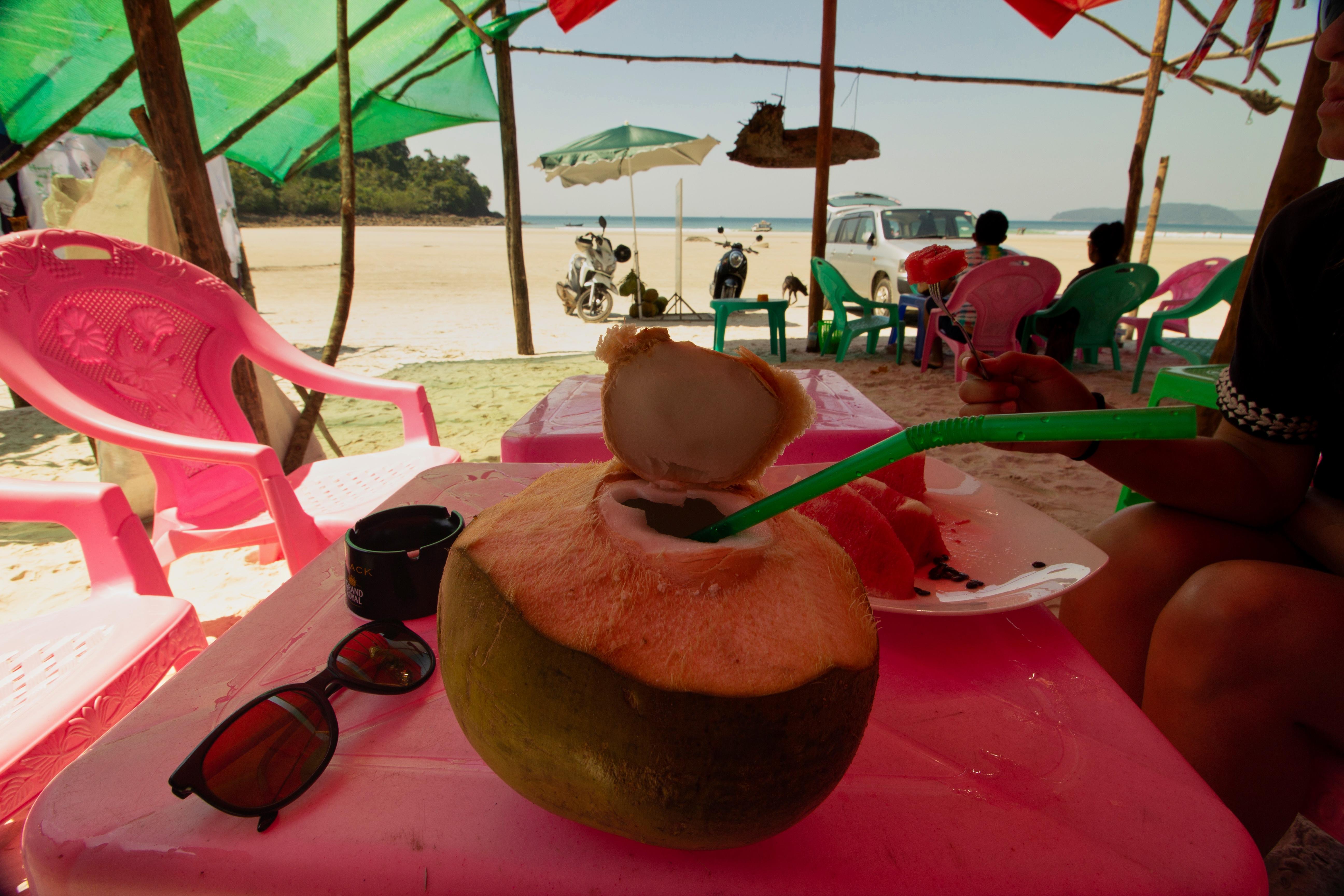 coconut birmanie plage