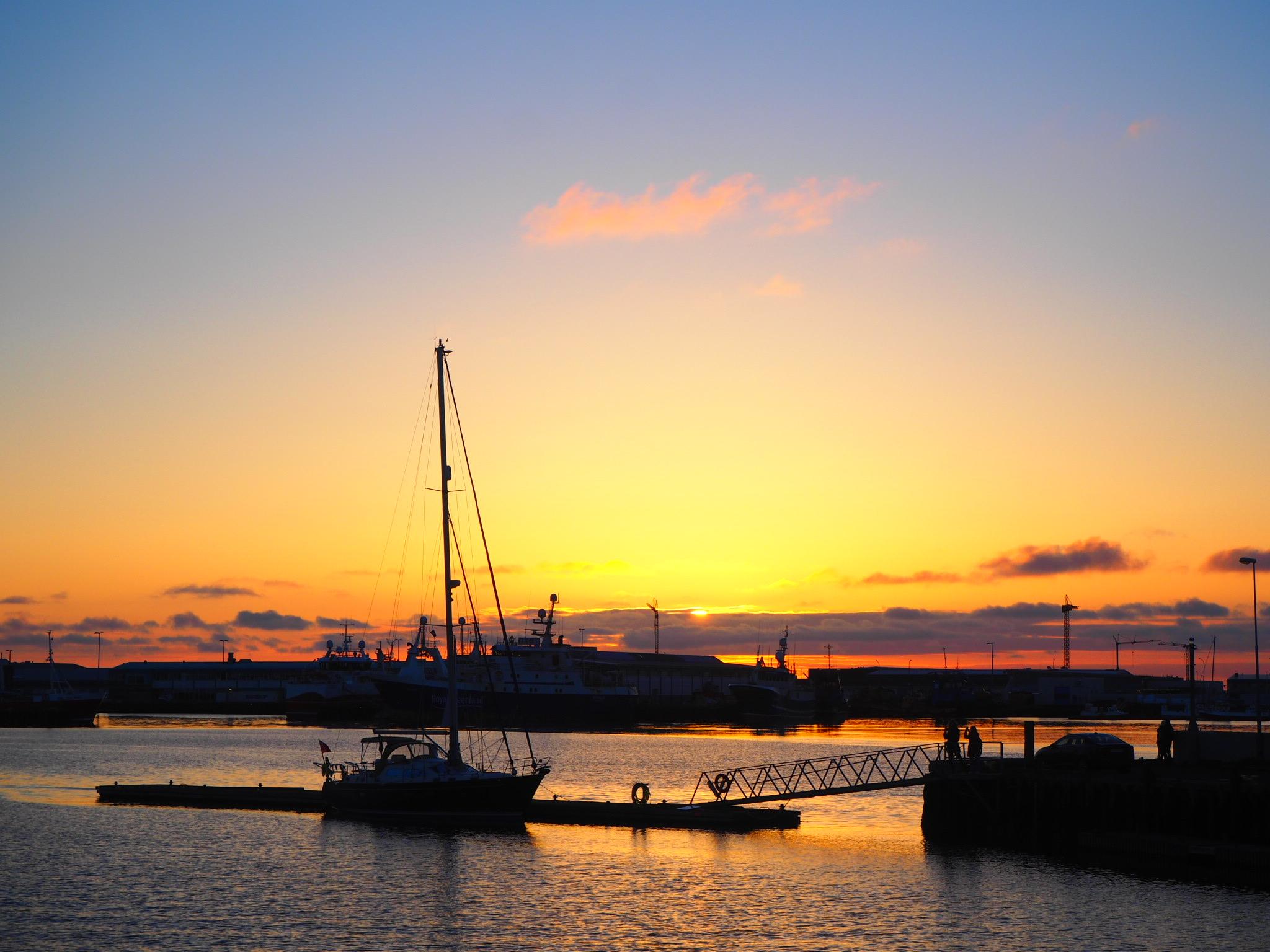 coucher de soleil port de Reykjavik