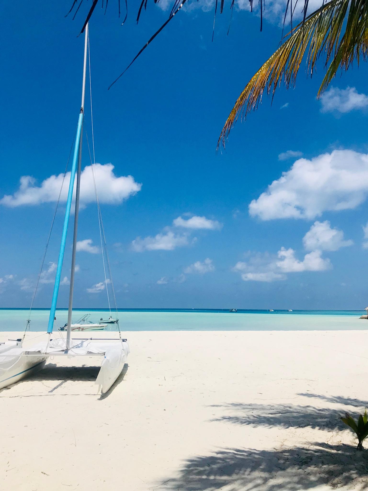Rihiveli maldives plage catamaran
