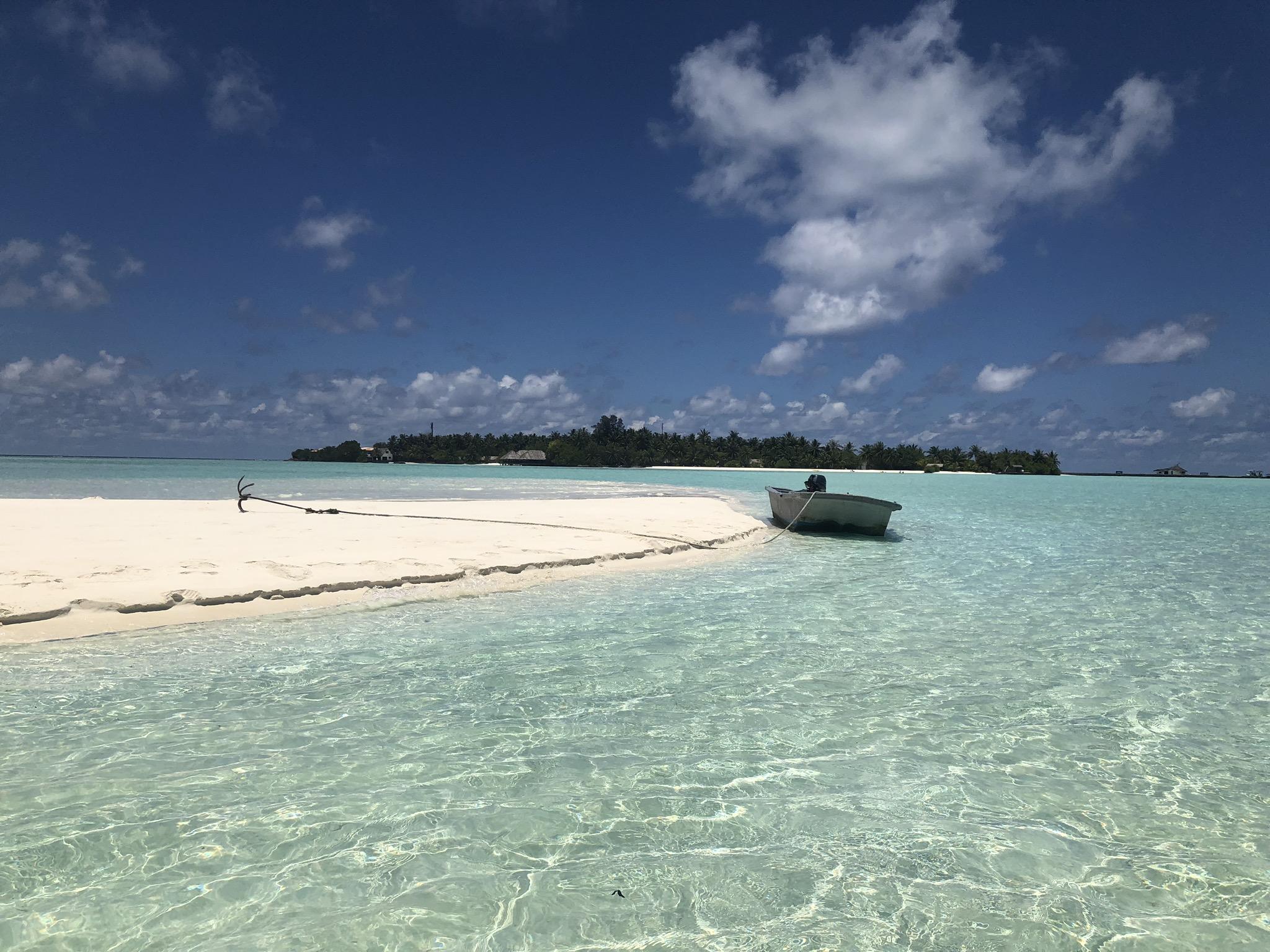 plage turquoise aux maldives
