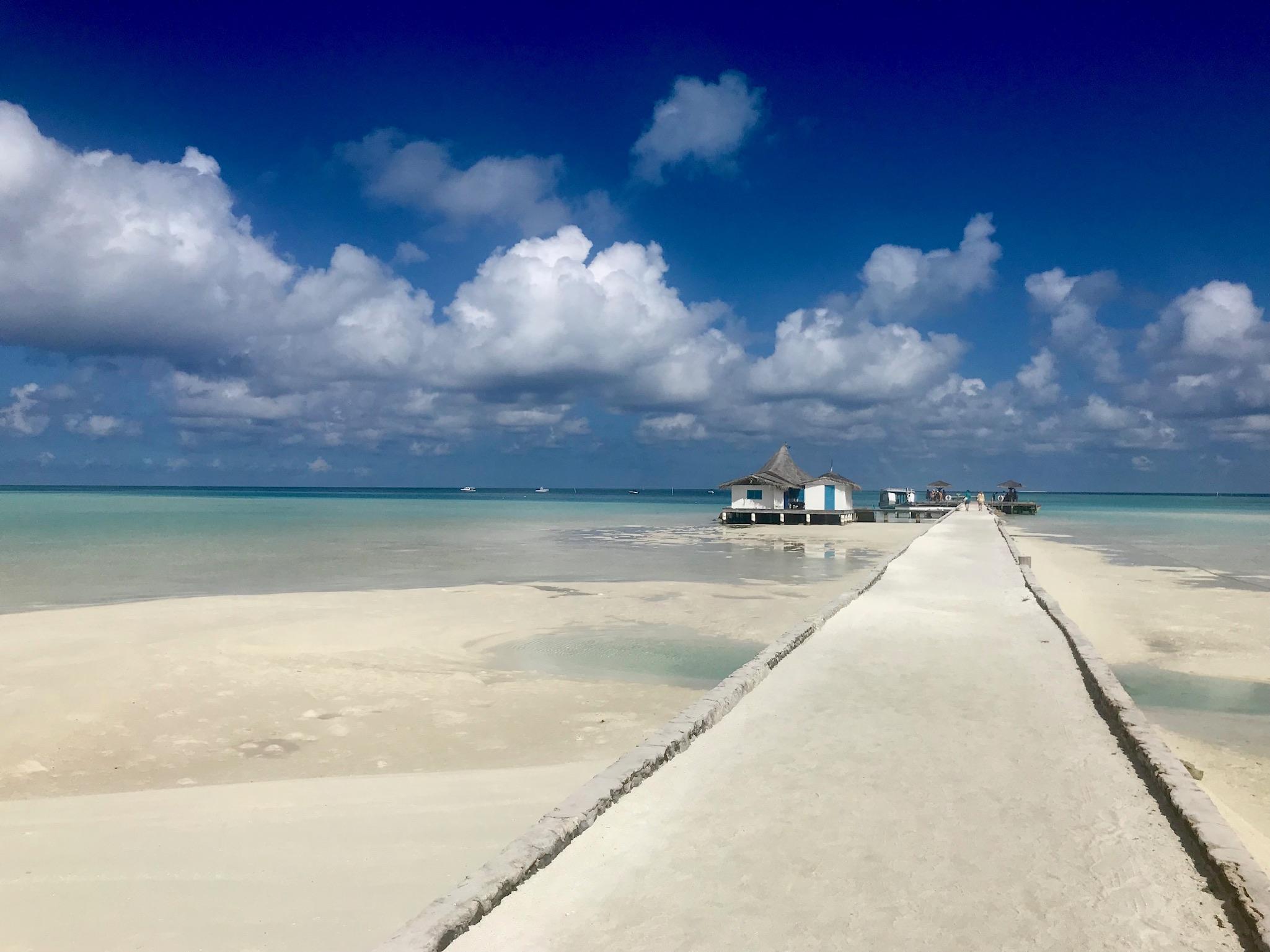 plage aux maldives Rihiveli