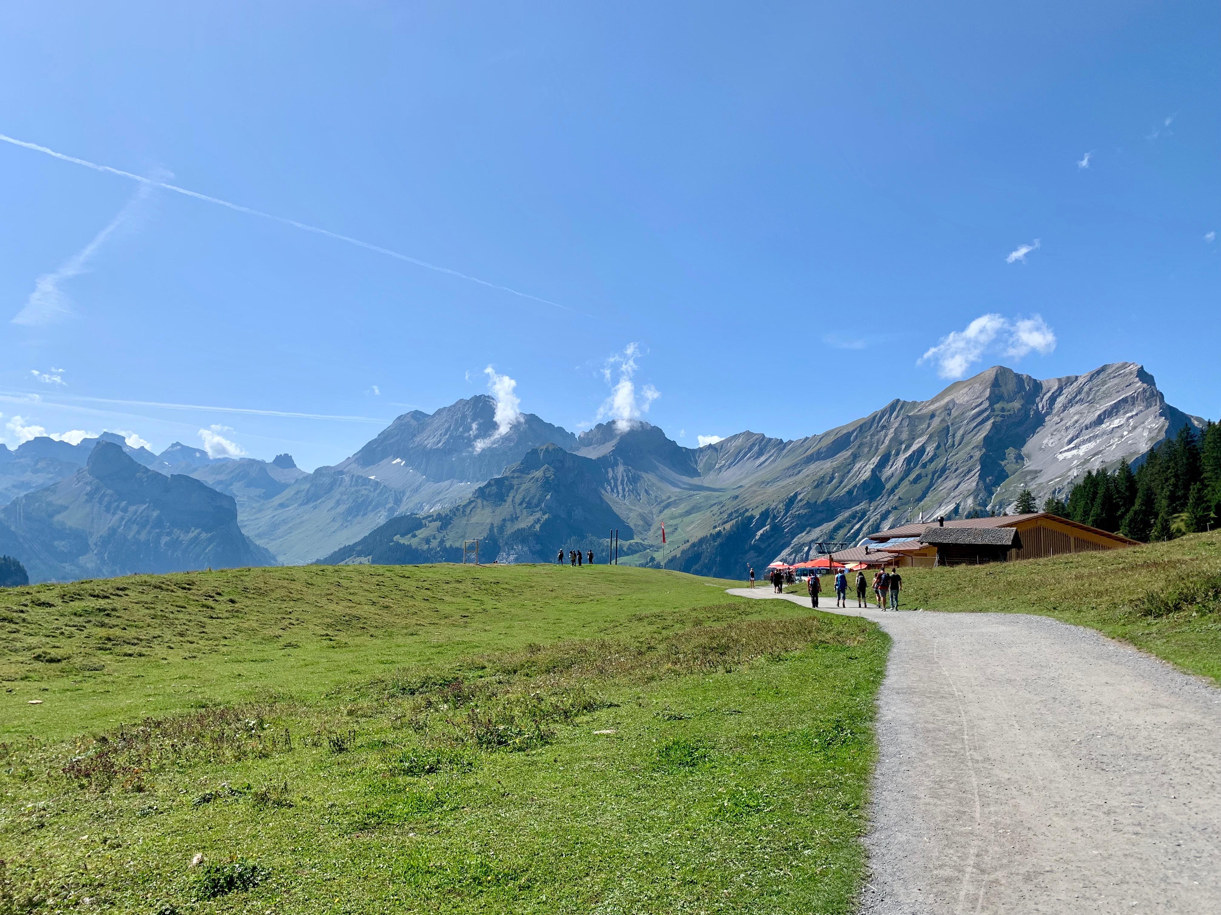 randonnée dans les alpes bernoises de suisse