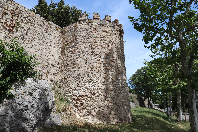 muraille du village de Sillans la cascade