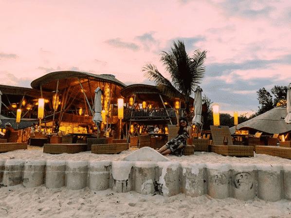 pearl-beach-lounge-gili