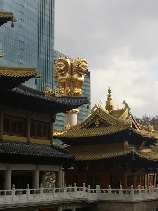 building et temple jing an à Shanghai