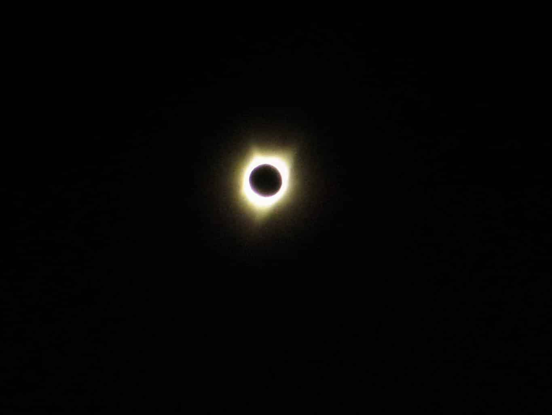 éclipse totale du soleil