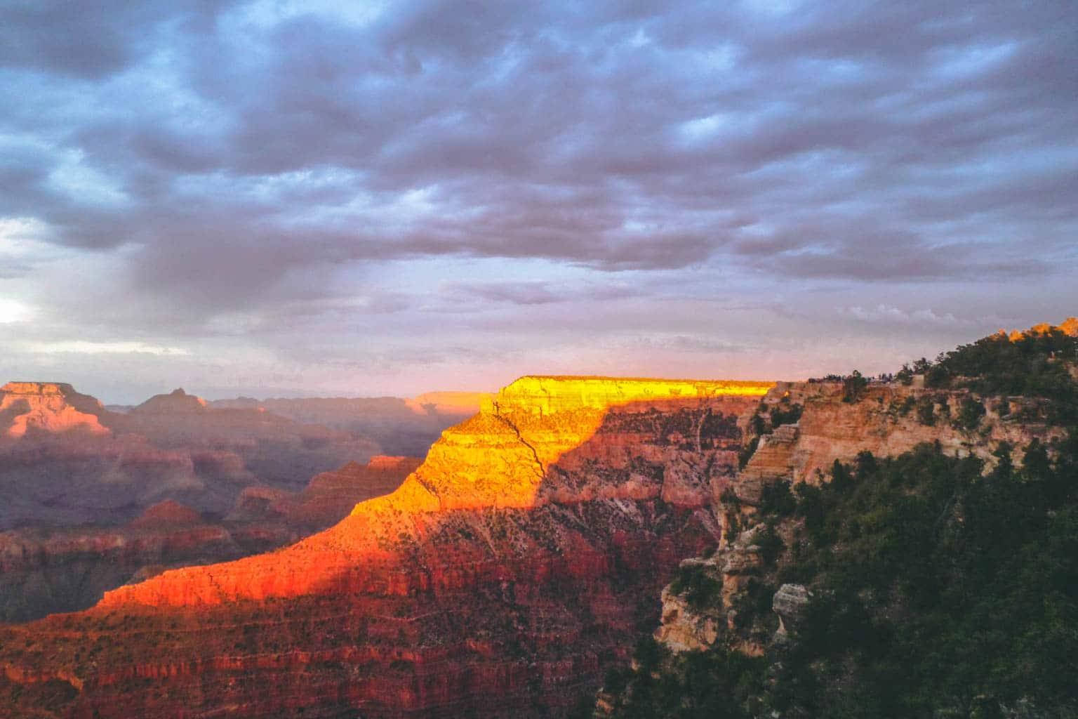 Coucher de soleil sur le grand canyon