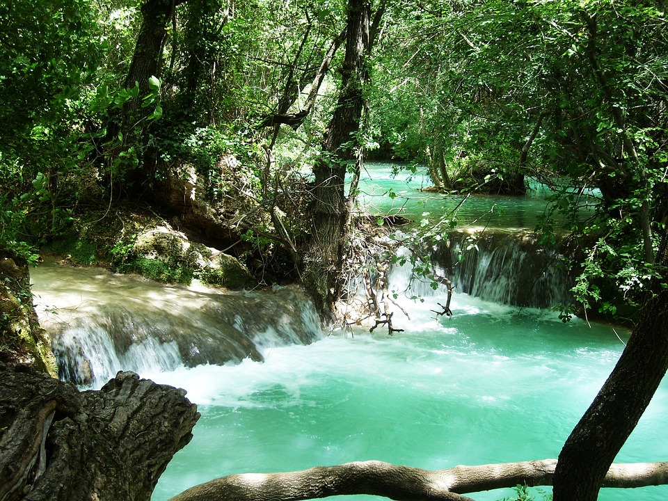 chutes de la rivière aux émeraudes