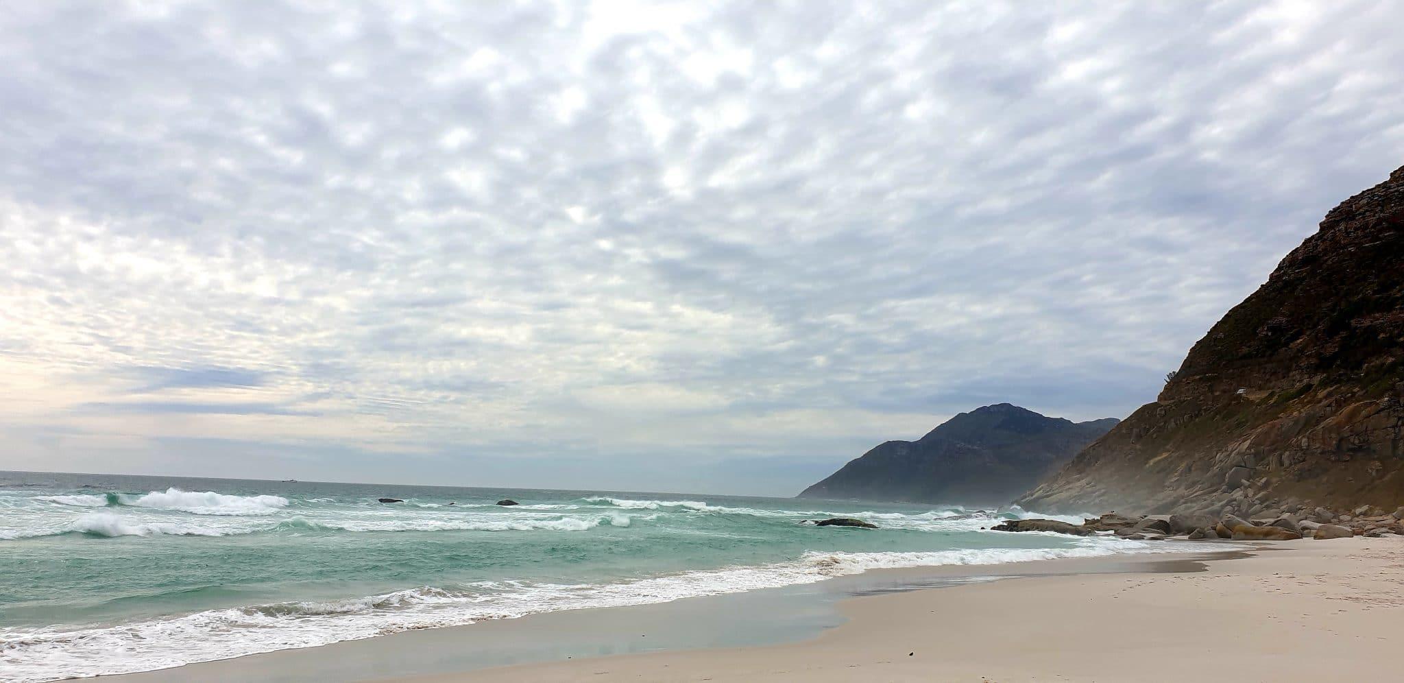 plage de sable blanc à capetown