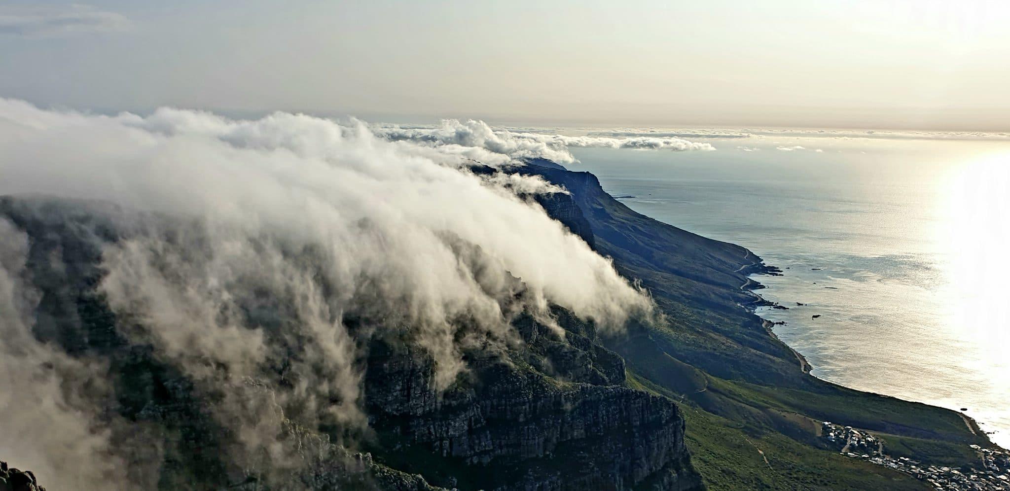 ascension table mountain vue nuage carnet de voyage capetown