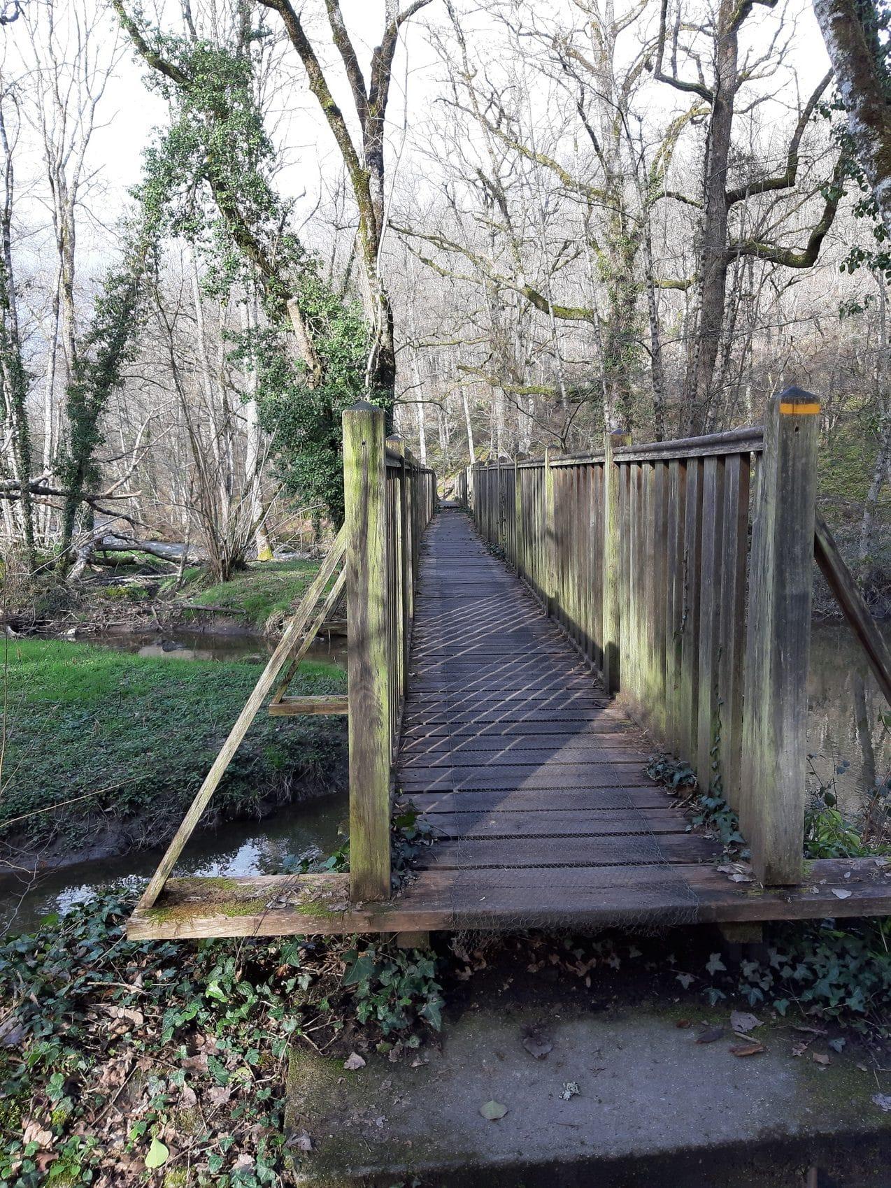 pont en bois saint auvent randonnée