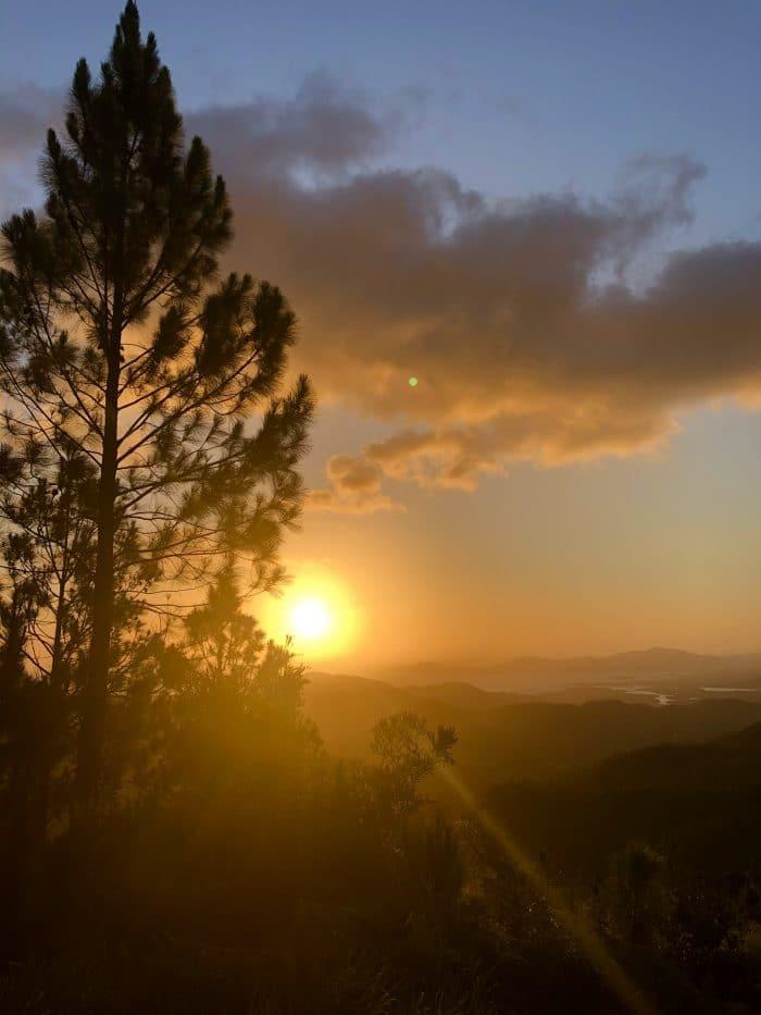 coucher de soleil sur le mont koghi