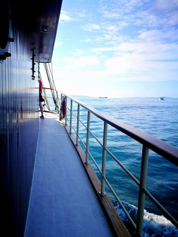 bateau sur la mer de split