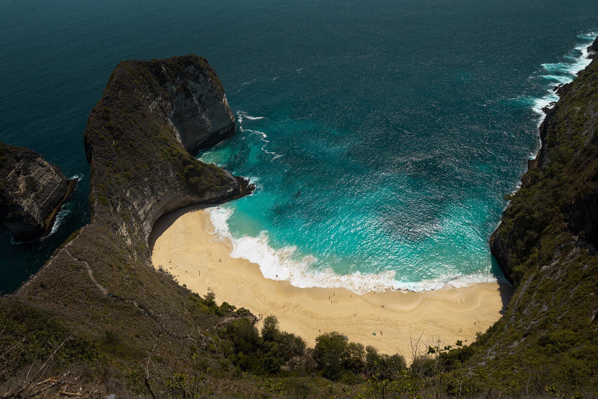 Kellingking beach sur nusa Penida