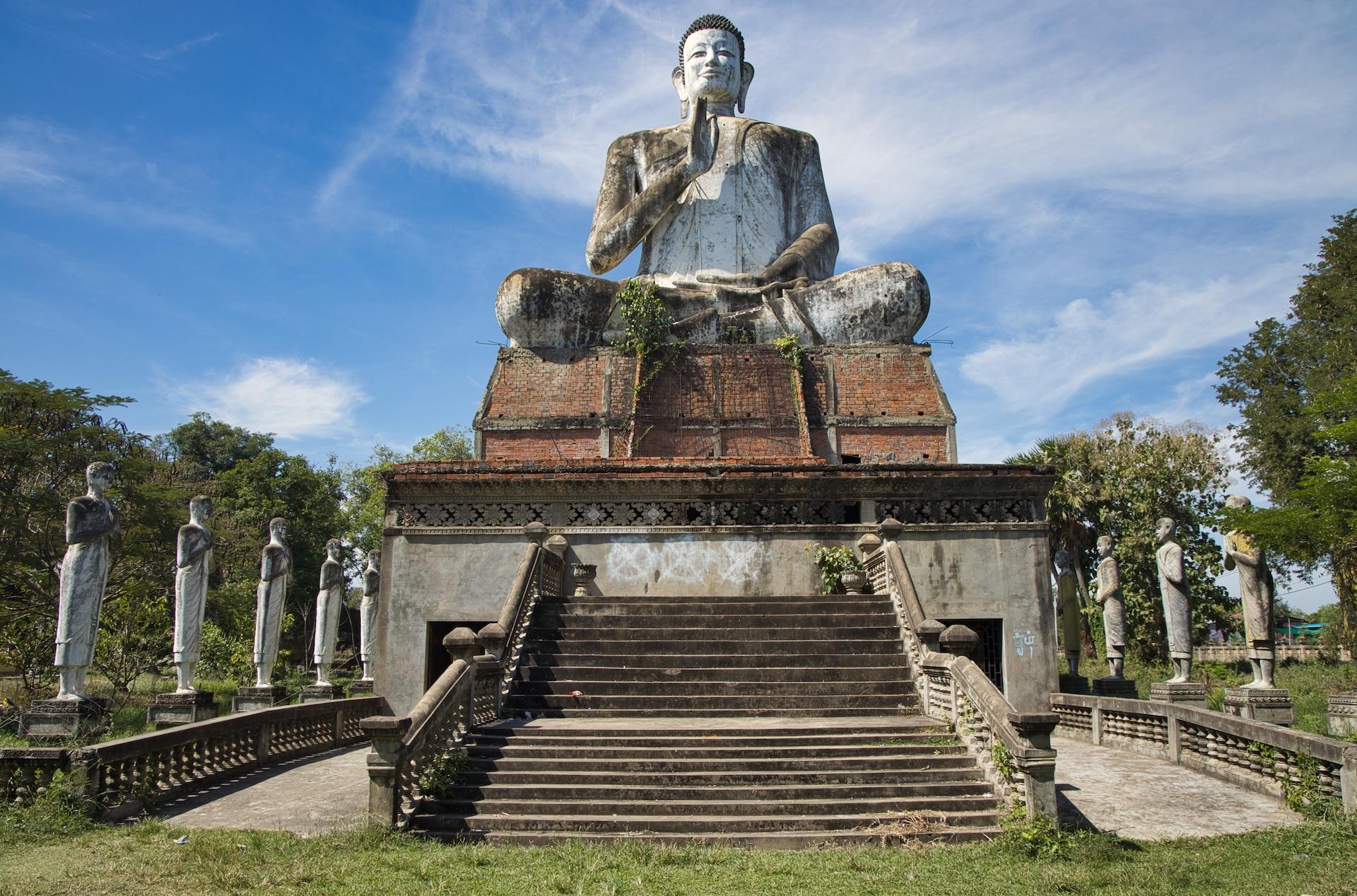 statue battambang