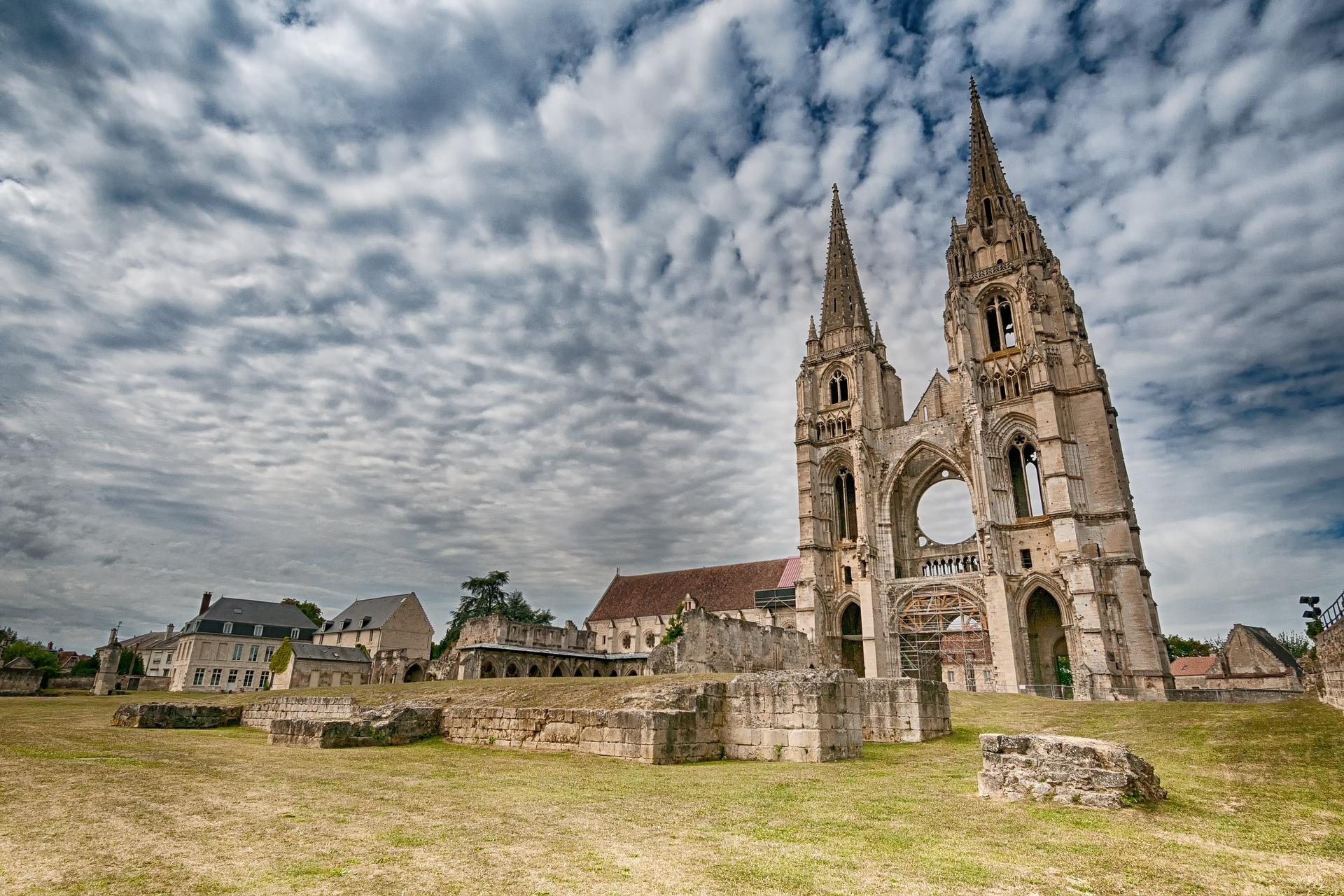 Cathédrale abandonnée de Soissons