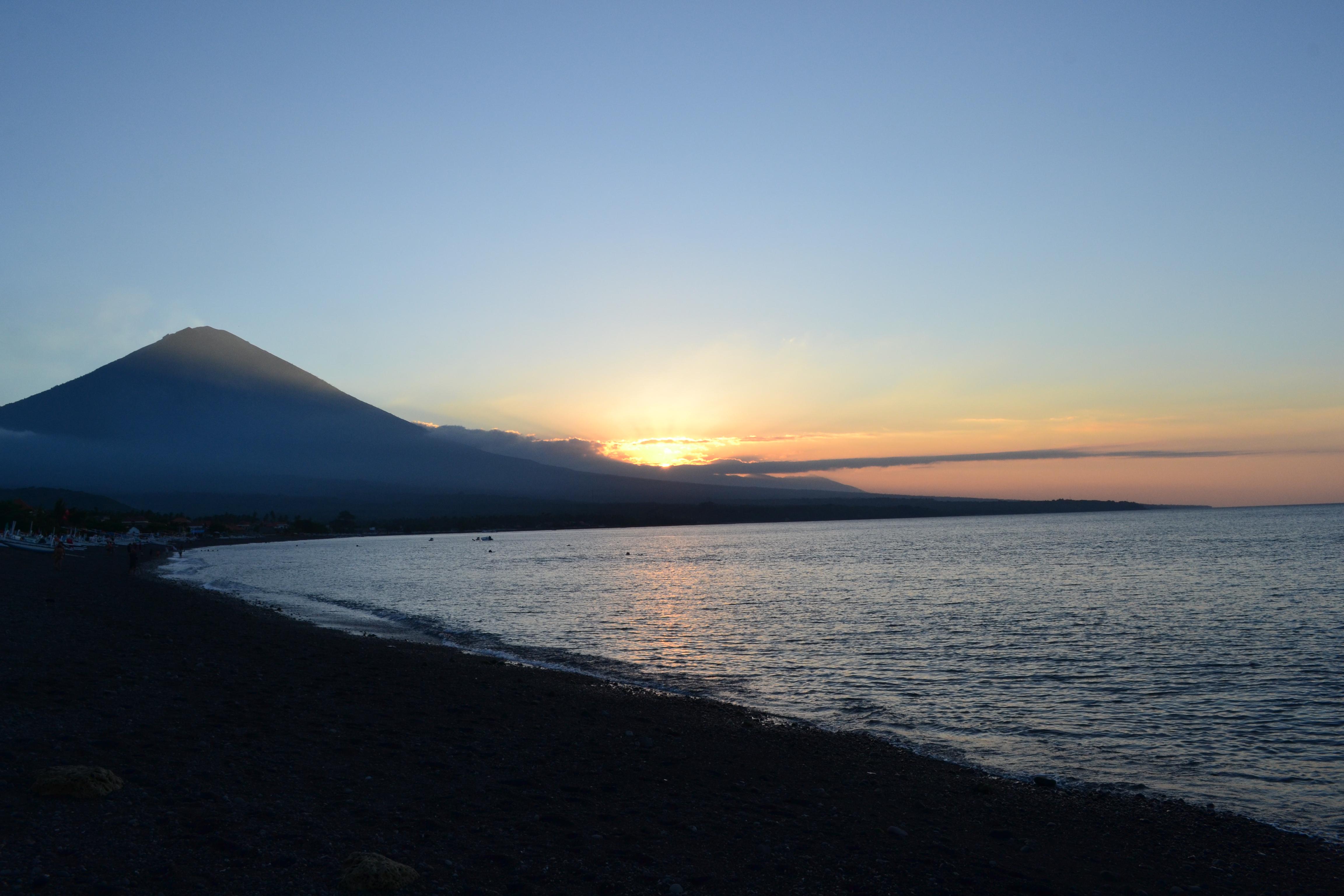 coucher de soleil mont agung