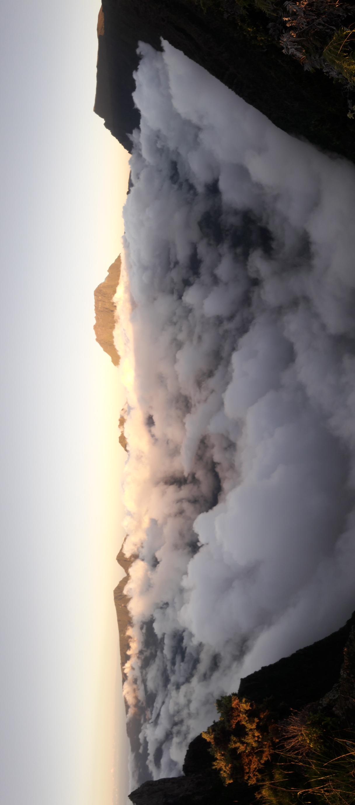 mafate au dessus des nuages