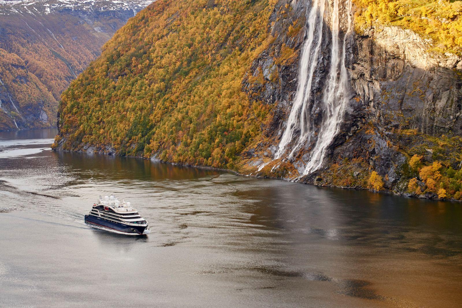Fjords norvège cascade