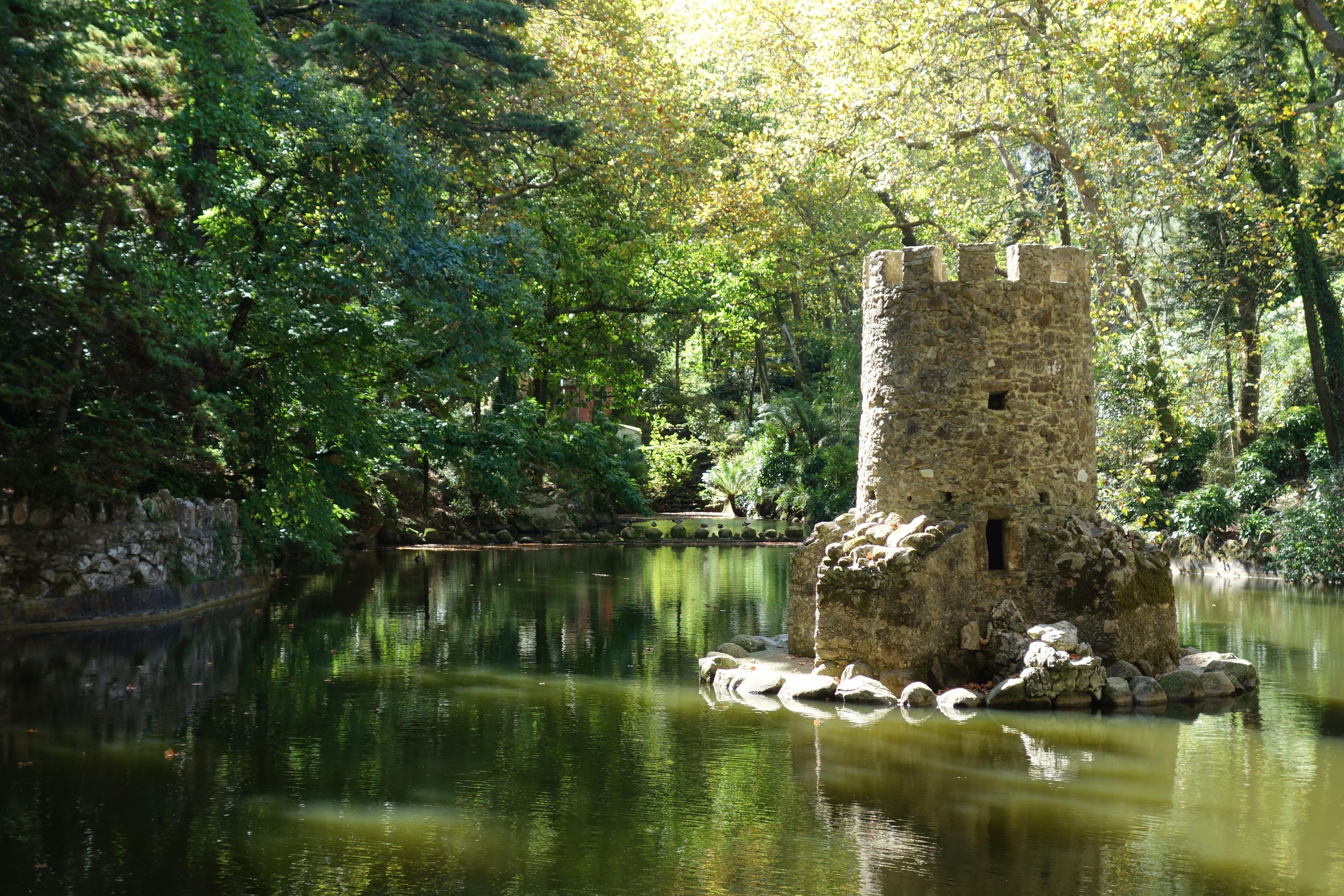 Palais de Pena parc étang