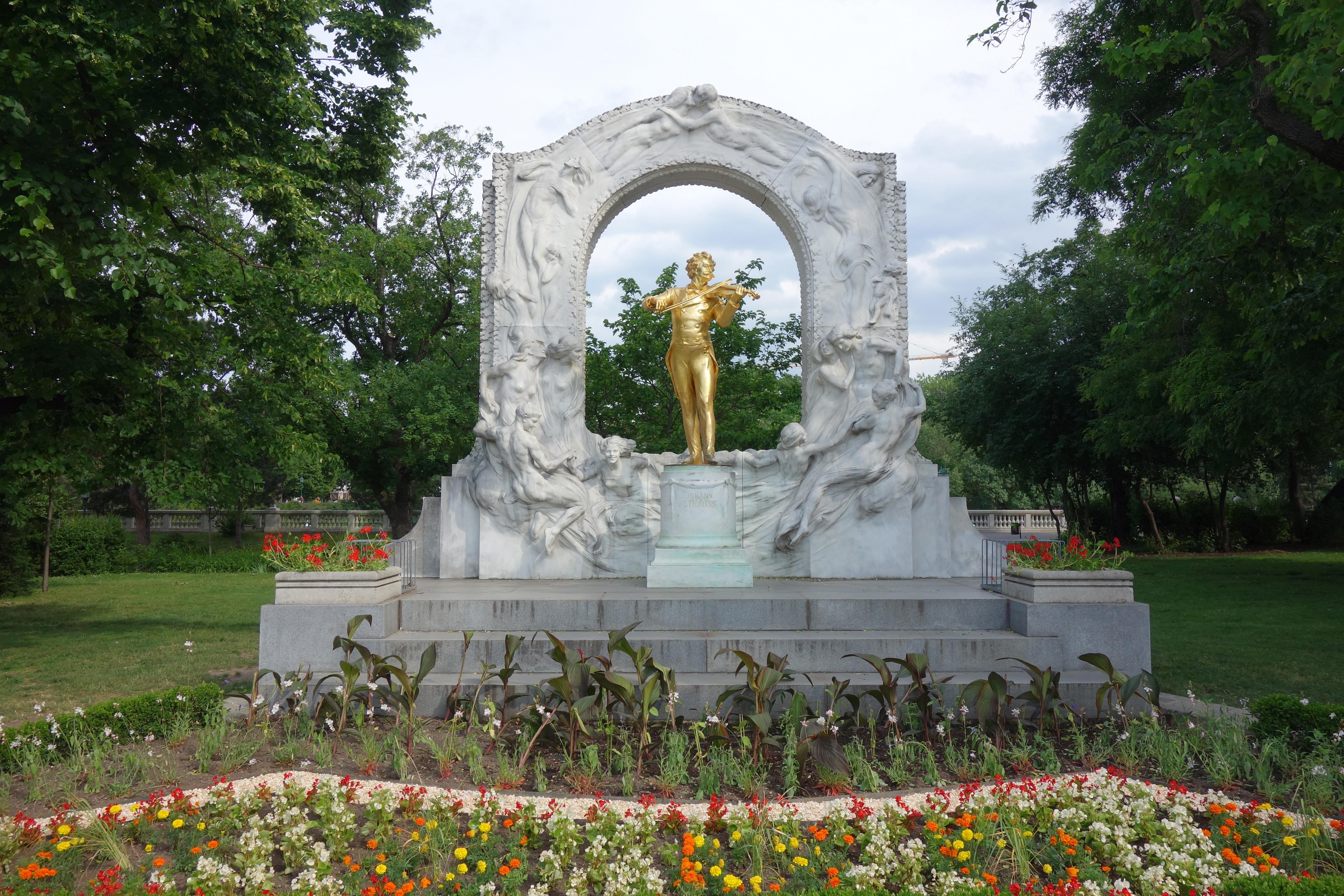 monument johan strauss