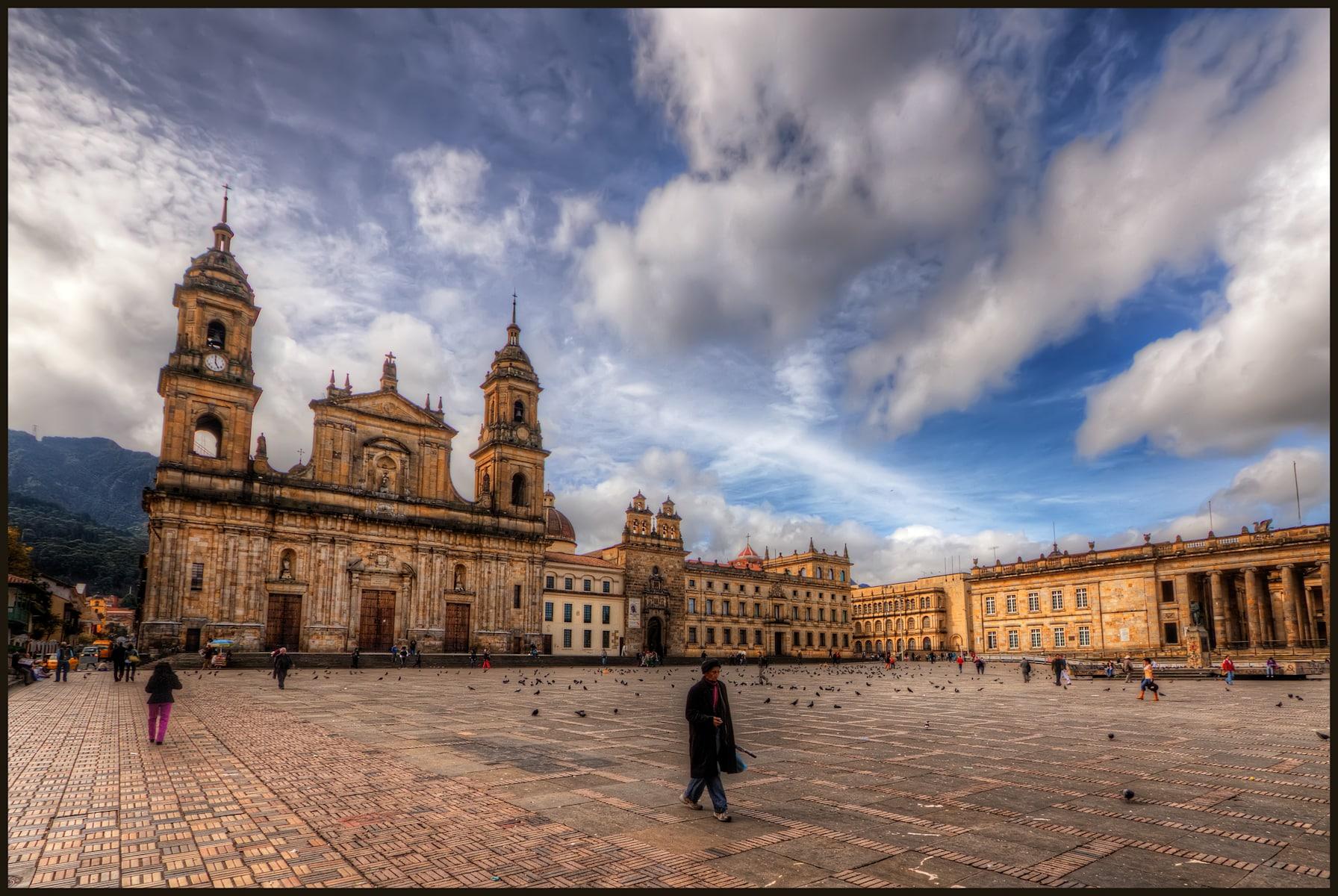 La plaza de bolivar : visiter bogota