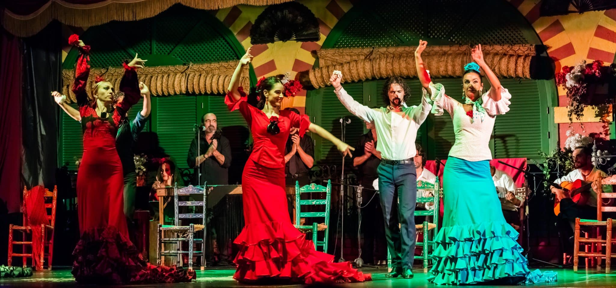Flamenco_en_el_Palacio_Andaluz,_Sevilla,_España