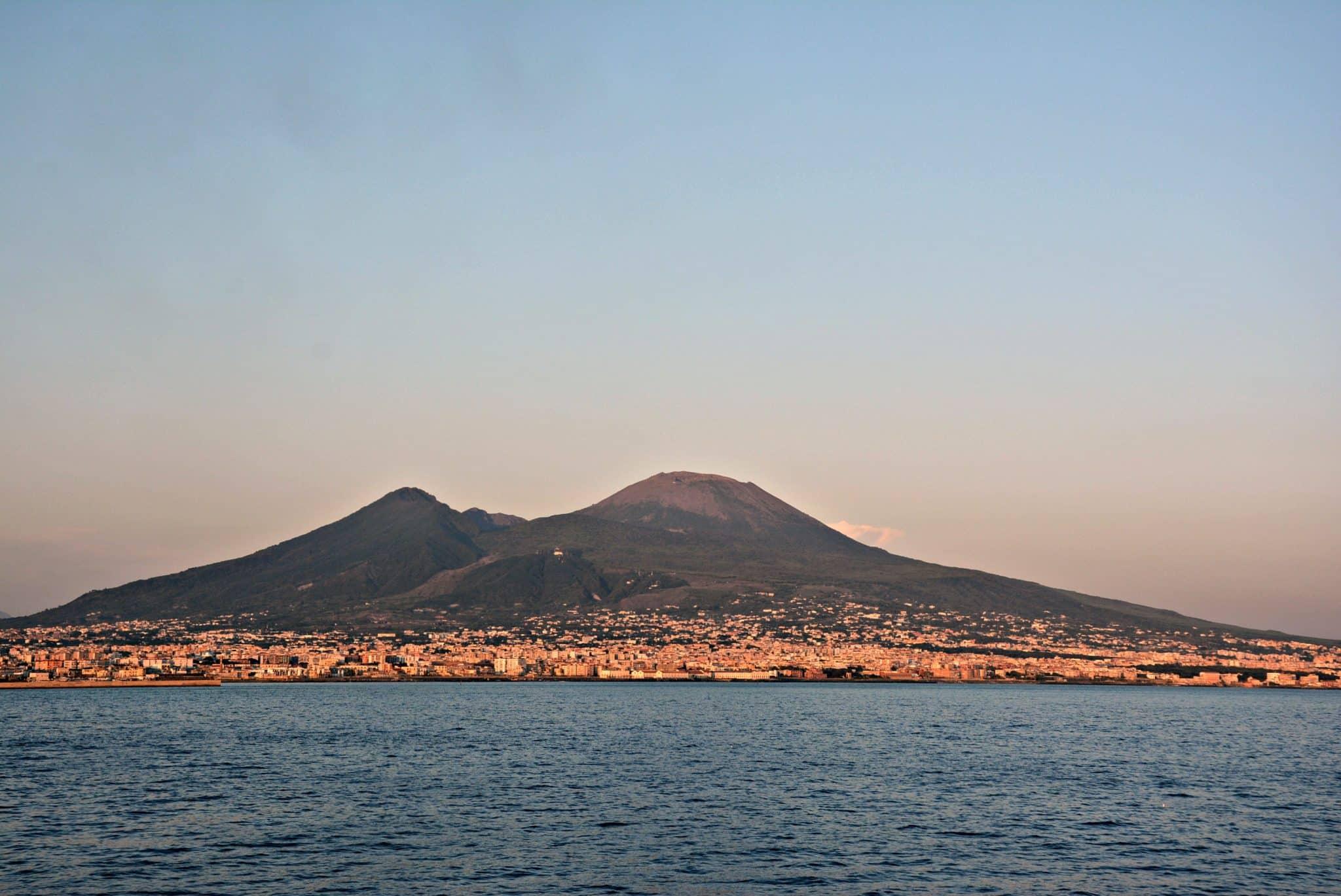 Vesuvio_da_mare